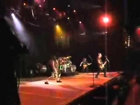 Metallica: Fuel (MetOnTour - Lisbon, Portugal - 2004)