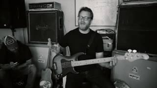 """RED FANG - Funny How-To with Aaron Beam (Bass Tutorial for """"I Am A Ghost"""")"""