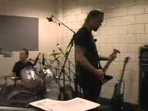 Metallica: Wherever I May Roam (MetOnTour - Portland, OR - 2004)