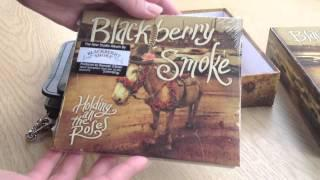 Unboxing Of Blackberry Smoke Amazon Exclusive German Boxset Of 'Holding All The Roses' With Wallet