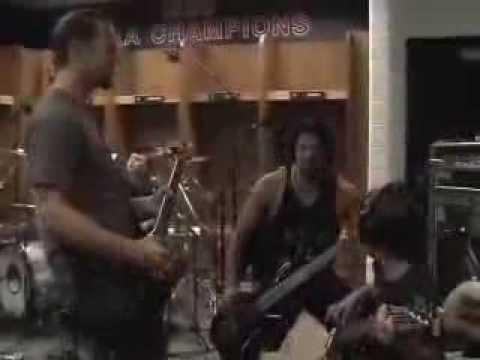 Metallica: Fuel (MetOnTour - Louisville, KY- 2004)