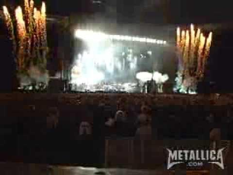 Metallica: Enter Sandman (MetOnTour - London, England - 2007)