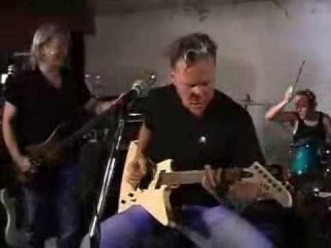 Metallica - Jump In The Studio: A Week In Review (June 4, 2002)