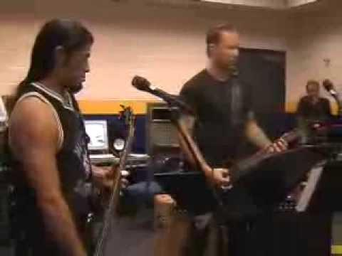 Metallica: Backstage Clips (MetOnTour - St. Louis, MO - 2004)