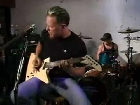 Metallica - A Week In Review (June 5, 2002)