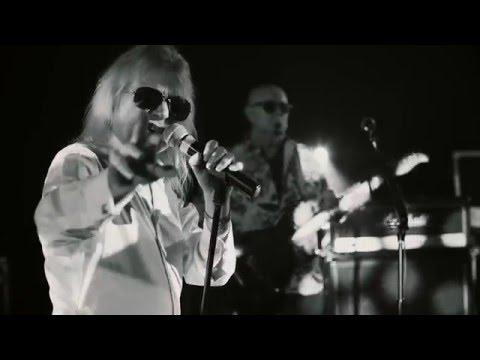 MAGNUM - Crazy Old Mothers (Official Video)